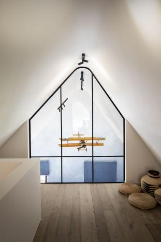 """Schilderwerken #VanSchoorisse / Architect """"Sur Mesure Interieur"""" / Picture © """"The Art of Living"""" & """"German Bourgeat"""""""